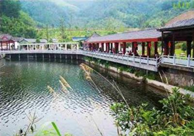 title='临安碧雪湖培训基地'